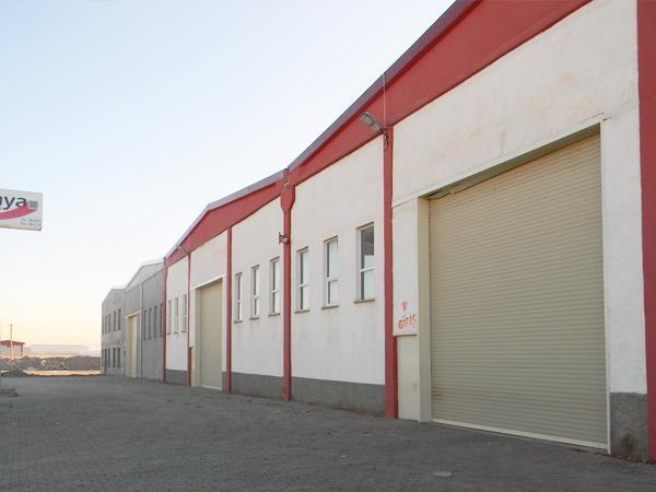 Hangar Kapısı